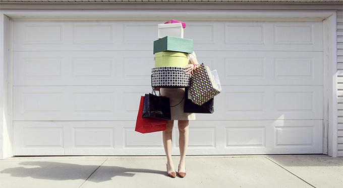 Что стоит за желанием покупать ненужные вещи?