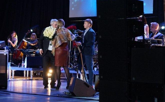 Предложение на концерте Валерия Меладзе
