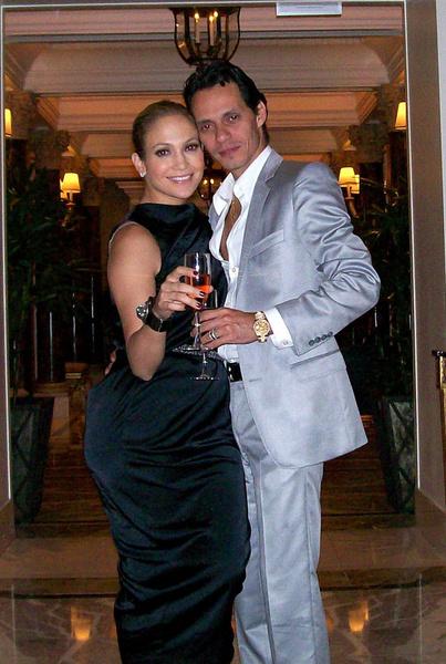 Дженнифер и Марк обновили свои супружеские клятвы верности на тайной церемонии в Лас-Вегасе в октябре 2008 года
