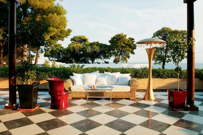 В мировых рейтингах этот отель по уровню сервиса и дизайну занимает первые места.
