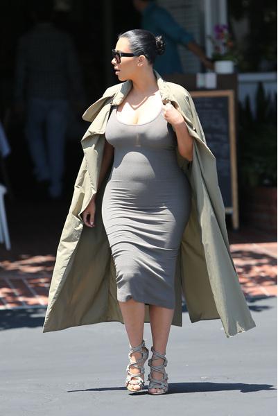 Ким Кардашьян снимется голой, чтобы доказать свою беременность