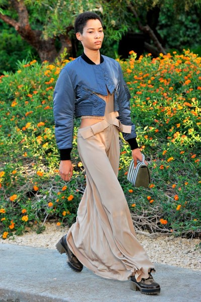 Показ круизной коллекции Louis Vuitton в Палм-Спринг   галерея [1] фото [35]