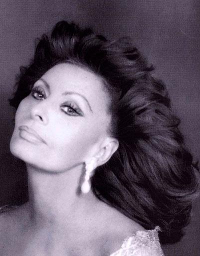 В это трудно поверить, Софи Лорен (Sophia Loren) исполнилось 77 лет!