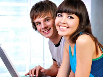 Студенты у компьютера