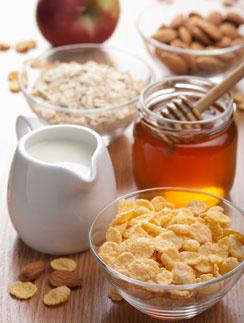 готовые завтраки, мюсли рецепт, обжаренные в меду мюсли, мюсли с орехами и сухофруктами, готовим сами, домашние мюсли