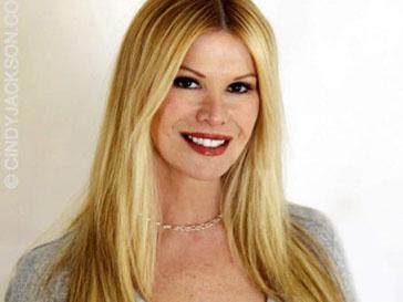 Синди Джексон (Cindy Jackson) написала книгу «Живая Барби»