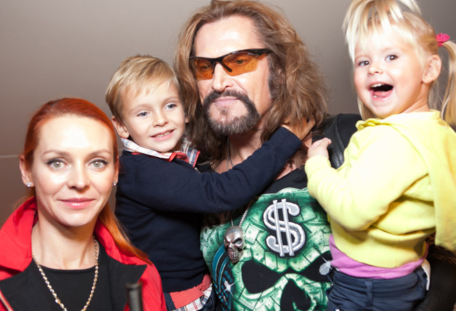 Никита Джиргурда с семьей