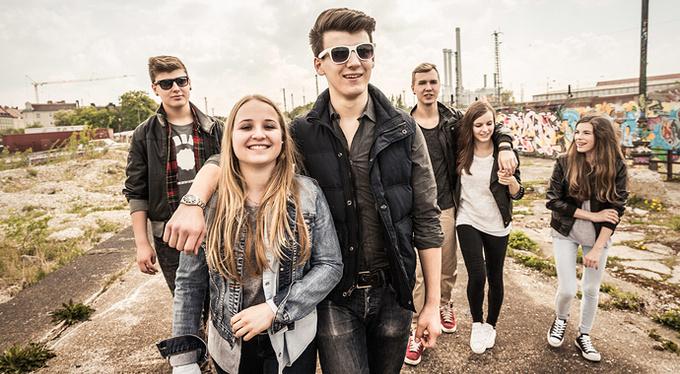Друзья нужны подросткам больше, чем родители