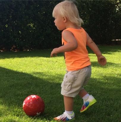 Сын Плющенко пока играет футбол
