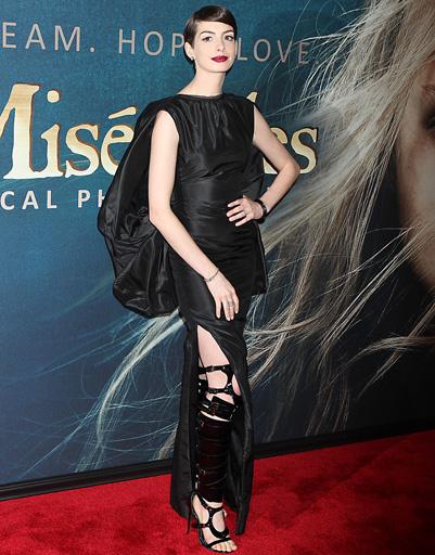 """Энн Хэтэуэй (Anne Hathaway) на премьере фильма """"Отверженные"""" в Нью-Йорке"""