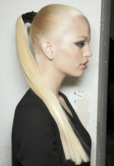 Причёски на длинные волосы. Техники выполнения в домашних условиях. Фото №2