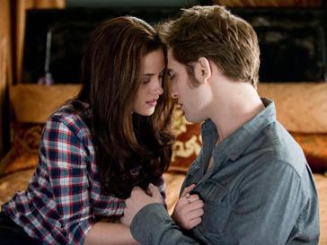 Роберт Паттинсон и Кристин Стюарт получили приз за лучший поцелуй на экране