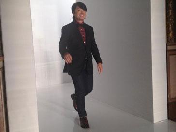 Валентин Юдашкин на собственном показе весна-лето 2013 на Неделе моды в Париже