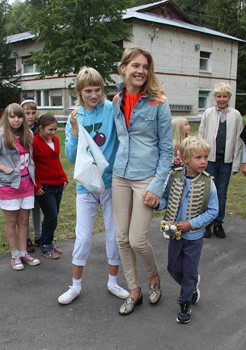 Наталья Водянова с семьей фото