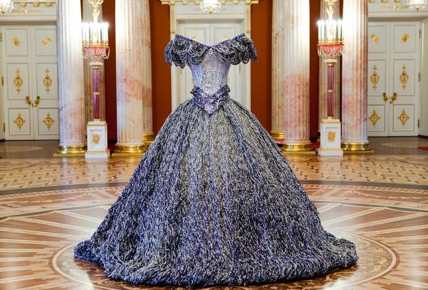 платье из жести