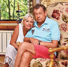Николай Караченцов живет среди пальм, роз и попугаев