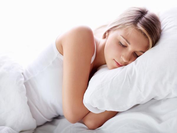 Сон влияет не только не самочувствие, но и на цвет лица.