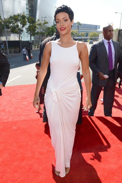 Рианна в платье Adam Selman на MTV VMA 2012