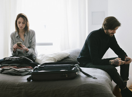 5 признаков того, что ваш партнер собирается сделать чек-аут из вашего брака