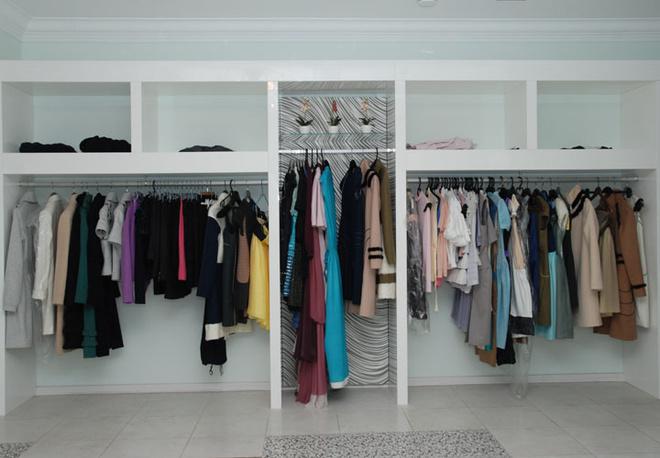 Платья составляют большую часть моделей, создаваемых в ателье Мягковой.