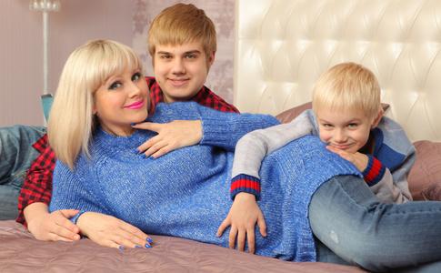 Эксклюзив: первая фотосессия беременной третьим сыном Натали