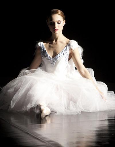 """Кадр из фильма """"Черный лебедь"""", 2010 год"""