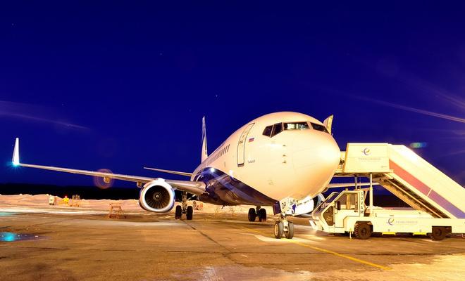 Самолет в красноярском аэропорту