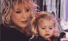 Пугачева показала подросшую дочь в гостях у Киркорова