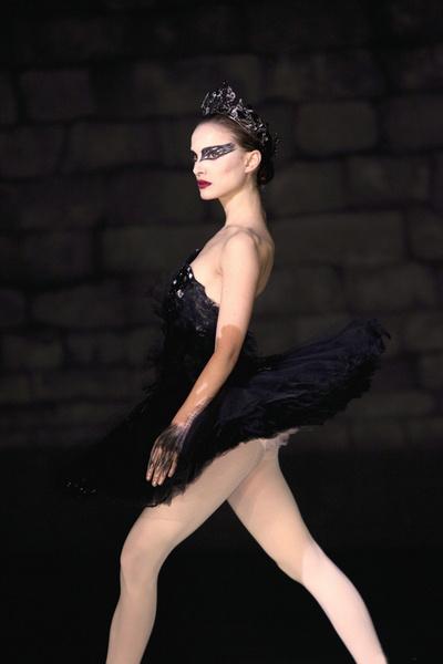Натали Портман в балетной пачке от Rodarte.