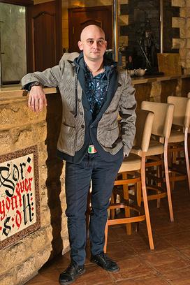 Евгений Лавренев, директор Ssherlok bar и Watson cafe