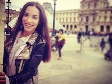 Виктория Дайнеко весело проводит время в Париже