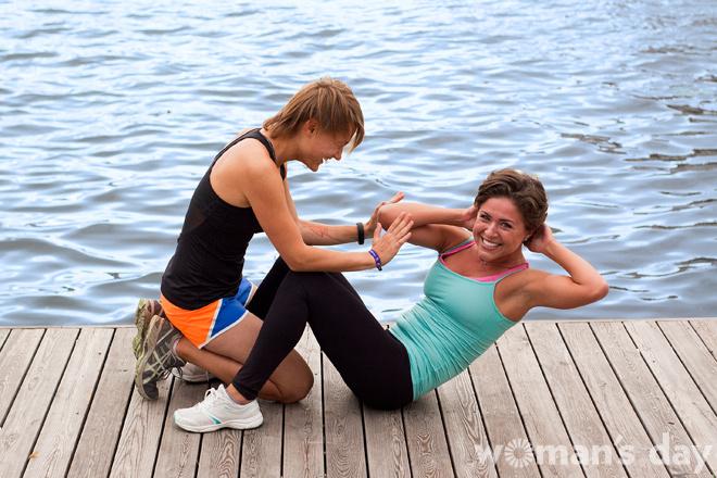 Парный фитнес: косые мышцы, фото