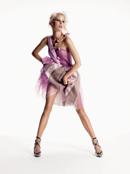 Rodarte. Воздушное, нежное, романтичное платье для теплых летних вечеров. Платье из шелка и тюля, Rodarte; кожаные туфли, Christian Louboutin for Rodarte.