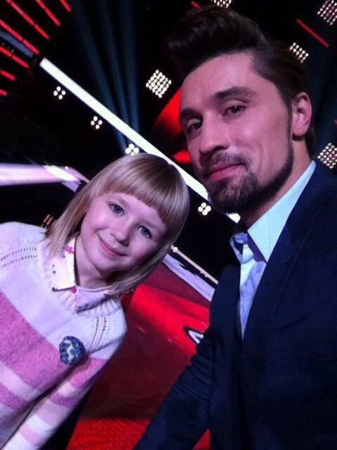 Семилетняя дончанка Ярослава Дегтярева осталась в шоу «Голос. Дети» после первого поединка