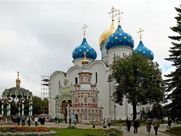 В православных храмах пройдут заупокойные богослужения