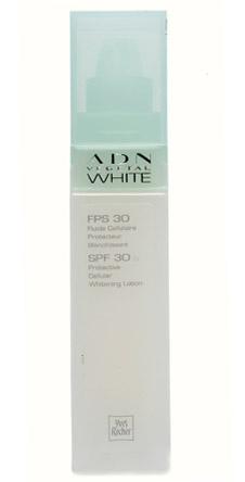 Жидкий крем для лица с SPF30 «Растительная ДНК», Yves Rocher защищает от вредного воздействия солнечных лучей, сохраняя мягкость и молодость кожи.