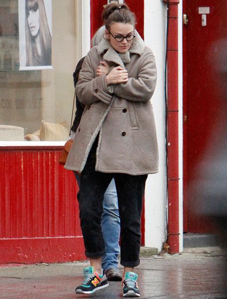 Кира Найтли на прогулке в Лондоне