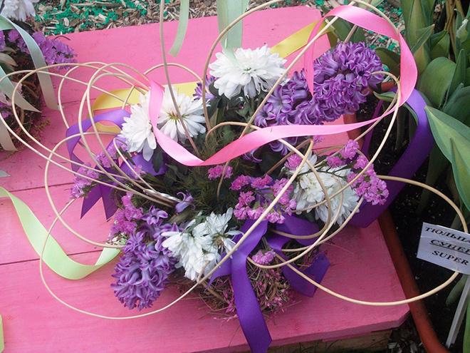 День города Цветы для любимой женщины