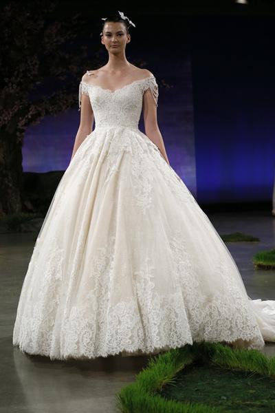 60 пышных свадебных платьев 2015 | галерея [1] фото [40]