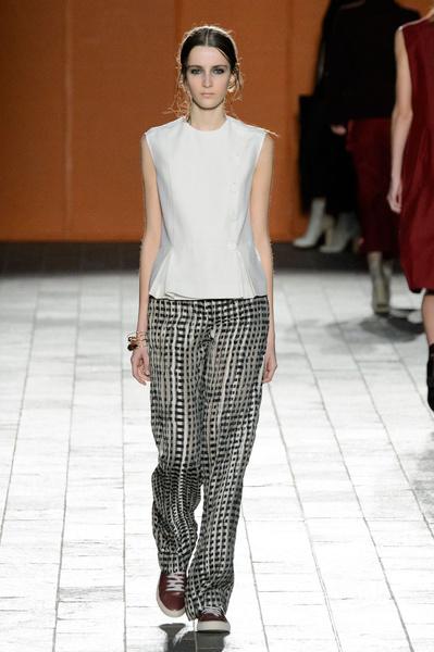 Неделя моды в Лондоне: 22 февраля   галерея [3] фото [2]