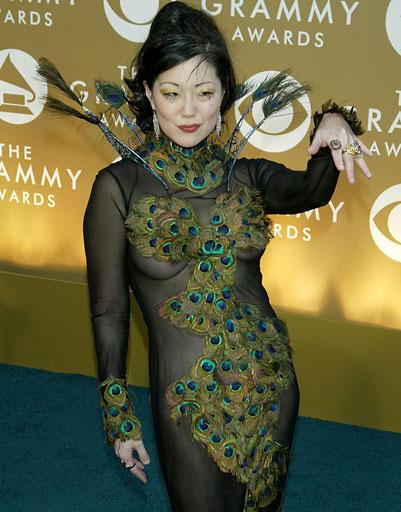 """Маргарет Чо (Margaret Cho) на """"Грэмми"""", 2004 год"""