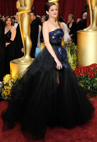 Марион Котияр в Dior