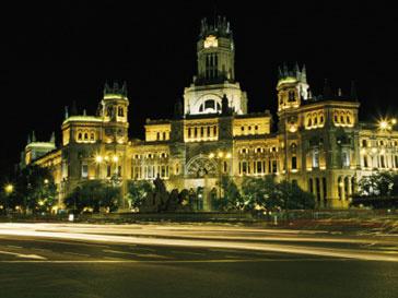 Россия выслала в Испанию двух сотрудников посольства