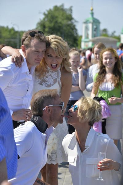 Домнина и Костомаров на свадьбе Марата Башарова
