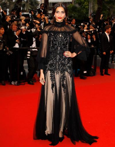Сонам Капур (Sonam Kapoor) на закрытии Каннского фестиваля-2012