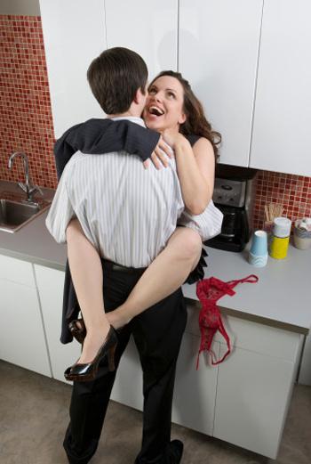 Сохранение семьи и поддержание неугасающего интереса супруга к себе и в себе – к супругу – суть есть ежедневный труд