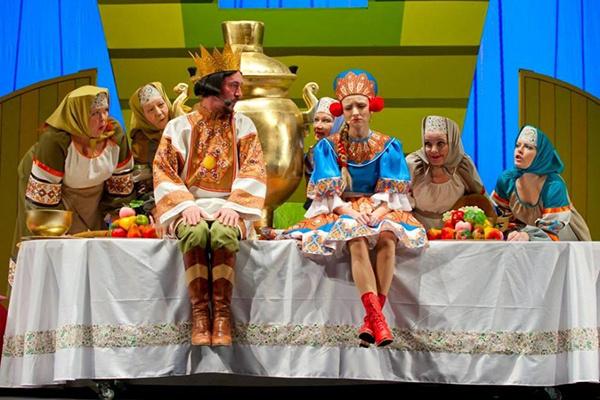 Новокузнецк, сцена из спектакля