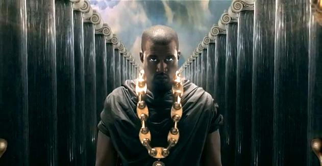 Темнокожий рэпер прекрасно смотрится на греческом Олимпе.