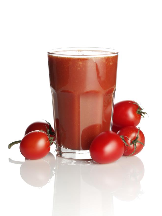 Пьем томатный сок при диете