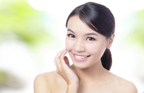 Японки тщательно заботятся о своей красоте. И самым простым из их секретов является BB-cream.